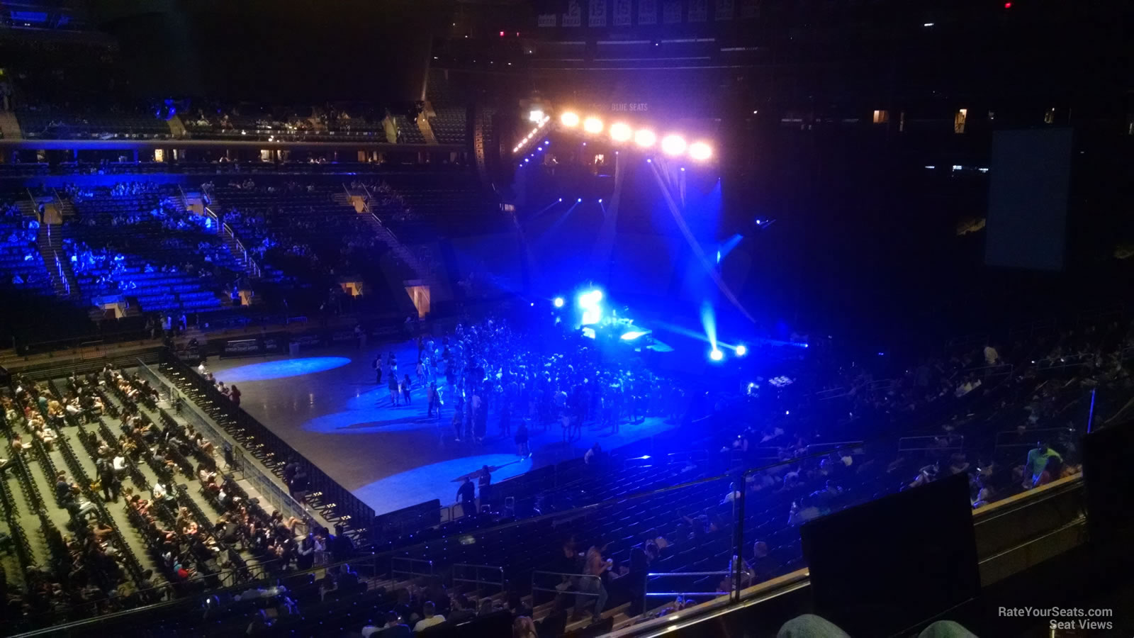 Madison square garden section 210 concert seating - How many seats at madison square garden ...
