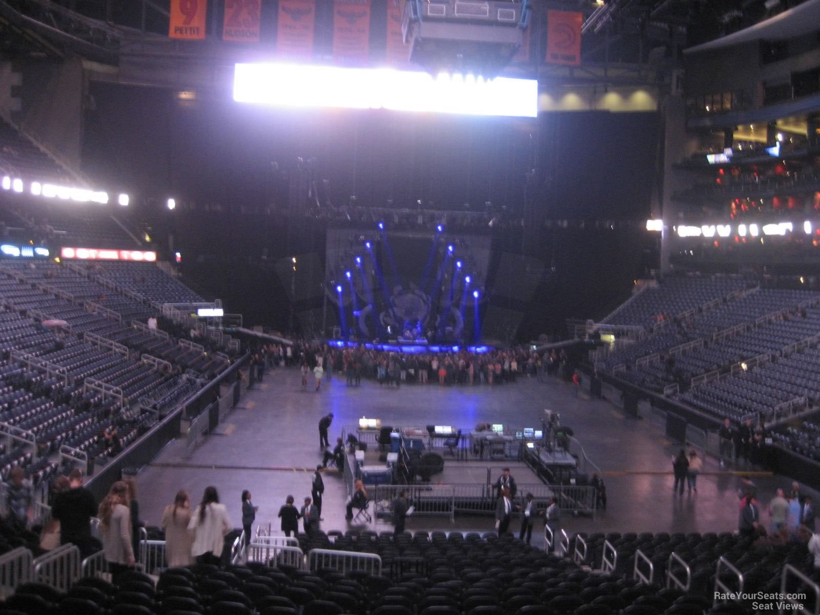 philips arena stage related keywords suggestions