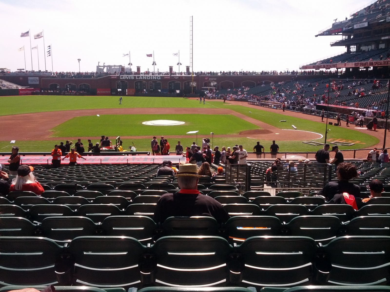San Francisco Giants Seat View for Oracle Park Section 122, Row 30, Seat 9