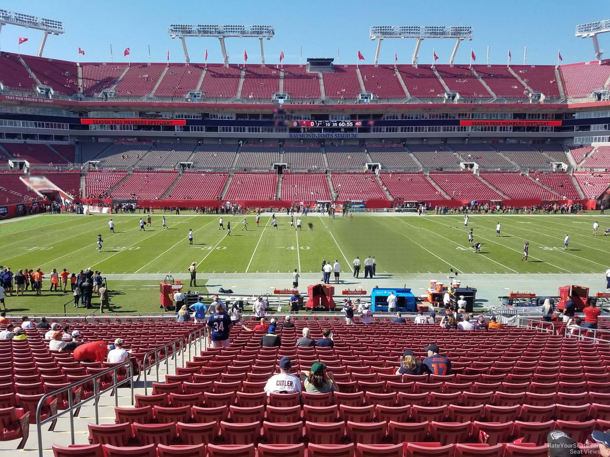 Section 135 At Raymond James Stadium Tampa Bay Buccaneers Rateyourseats Com