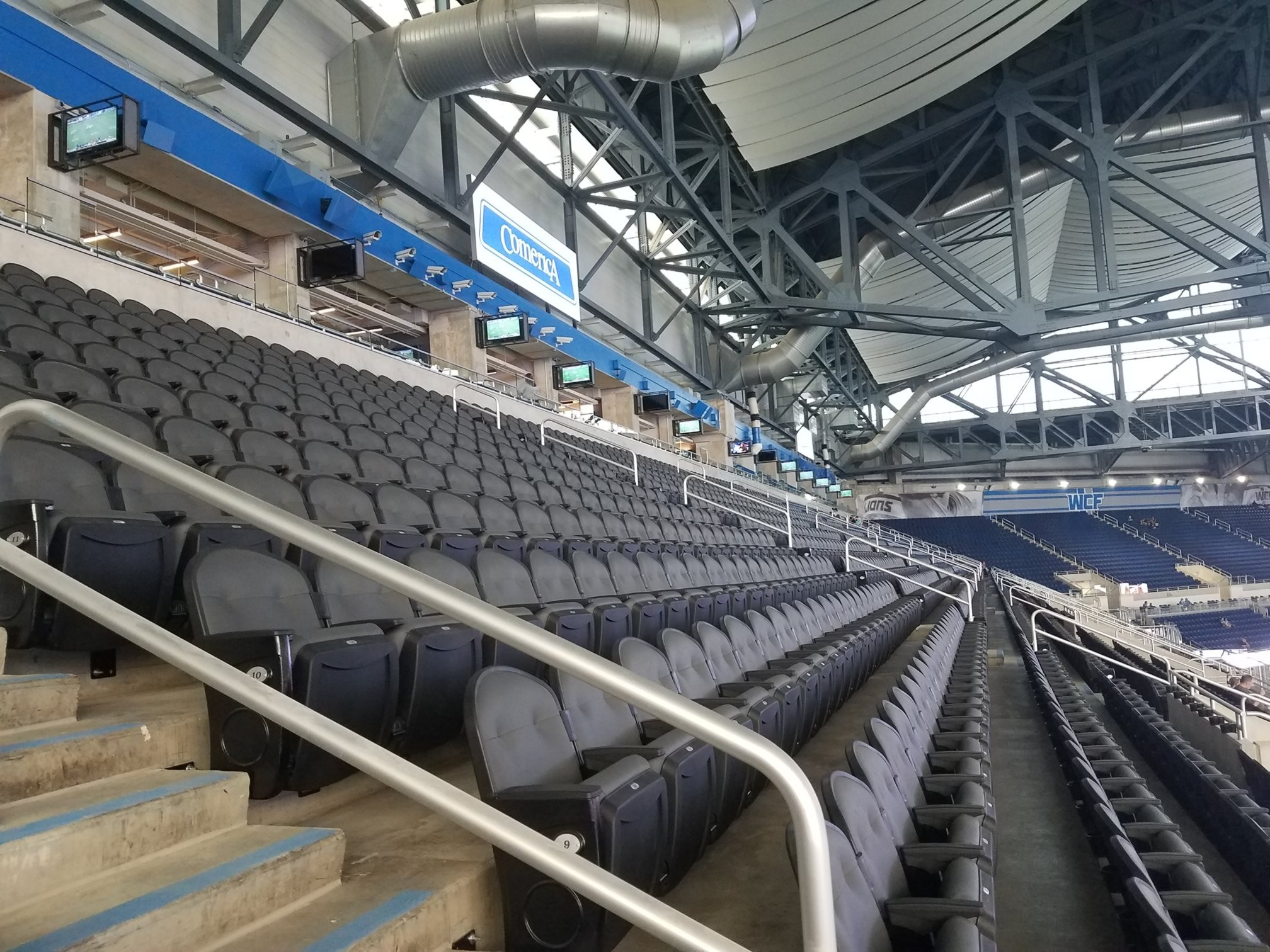 Detroit Lions Club Seating At Ford Field Rateyourseatscom